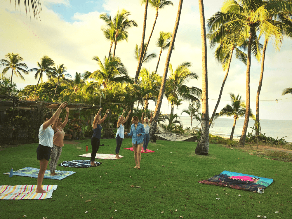 Pilates Retreat Maui - Lesley Logan & Arlene Salomon 2018 - Day 2 Mat Class 1 - PilatesRetreatMaui.com filtered